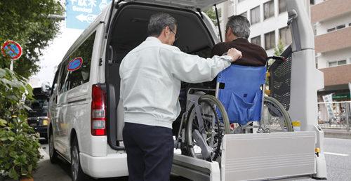 福祉車両の整備と保証 ご購入後も安心の無料保証とロードサービス